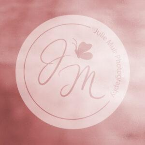 logo julie muir photography